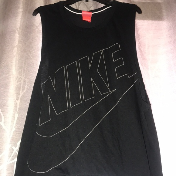 Nike Tops - Nike women's shirt size M